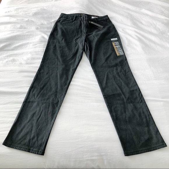 Lee Pants - NWT Lee Relaxed Fit Straight Leg Mid Rise Pants